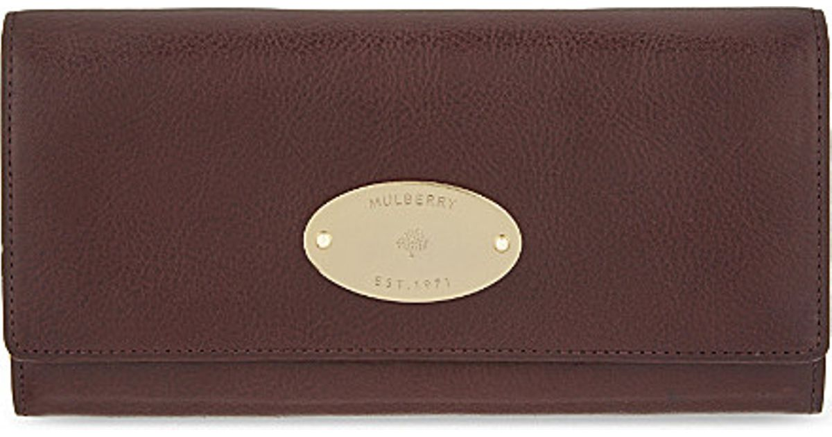 92e2c0c29d Mulberry Grained Leather Continental Wallet in Red - Lyst