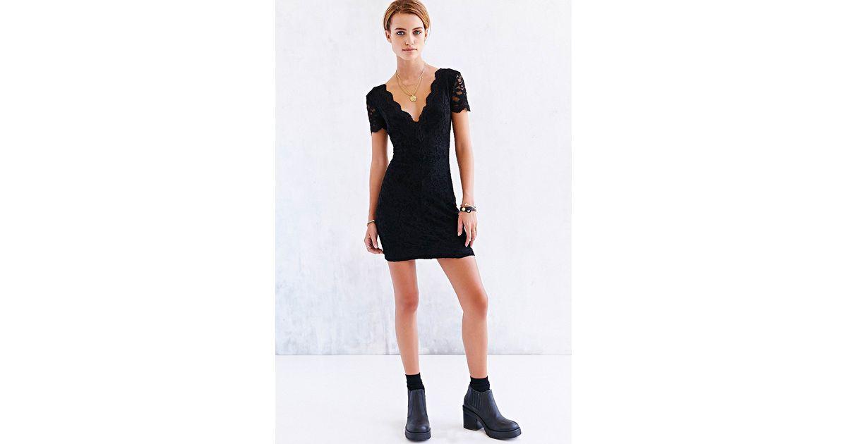 26b643efa1ce Lyst - Kimchi Blue Scallop Lace Bodycon Dress in Black