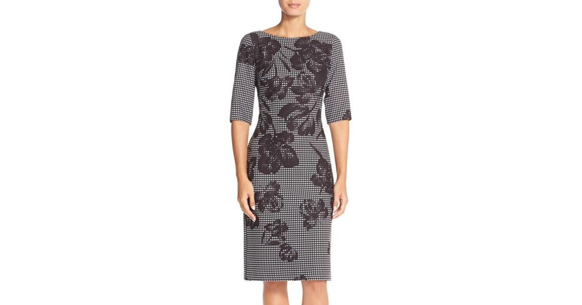 28eeca001b00e Lyst - Donna Ricco Floral Houndstooth Scuba Sheath Dress in Black