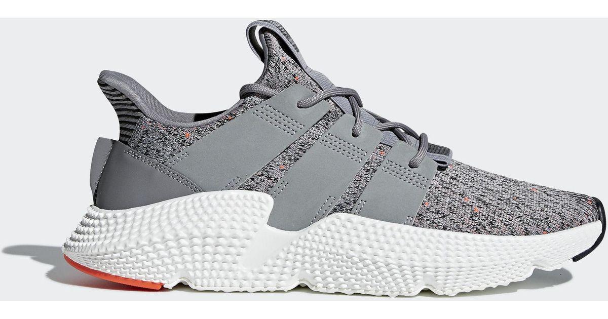 lyst adidas prophere scarpe in grigio per gli uomini.