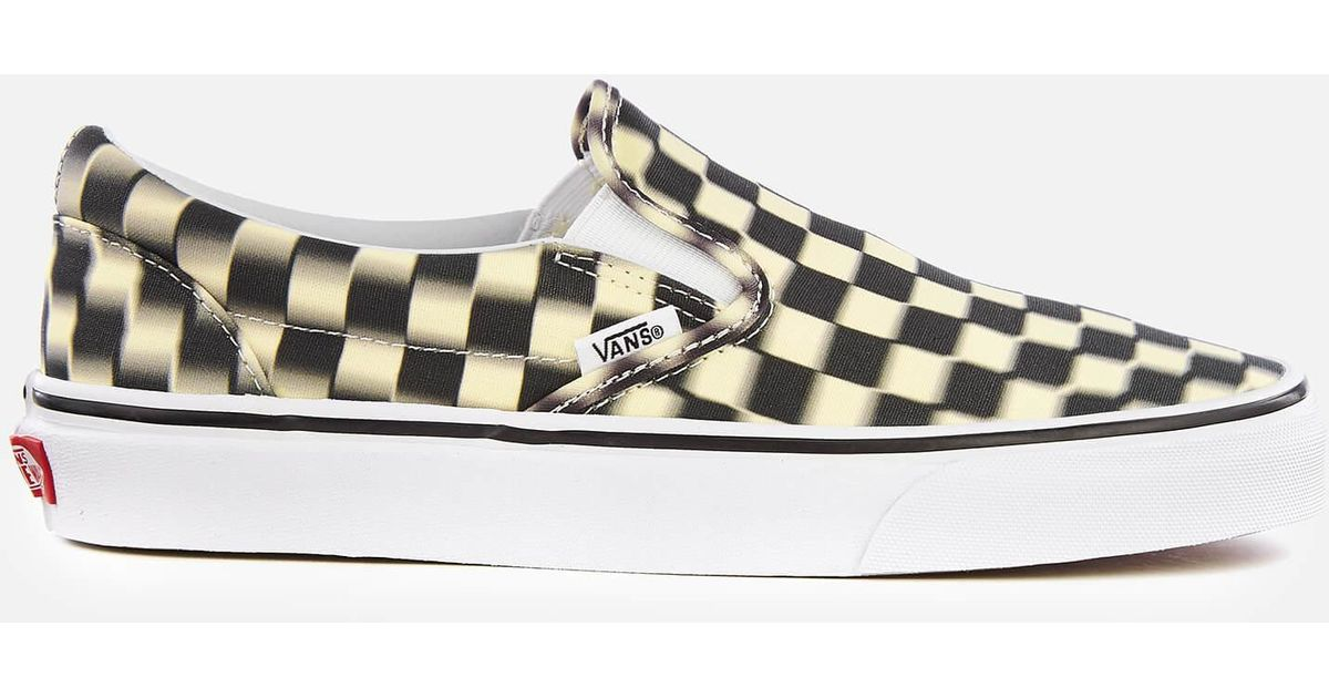 c5c8bd36be Vans Blur Check Classic Slip-on Trainers for Men - Lyst