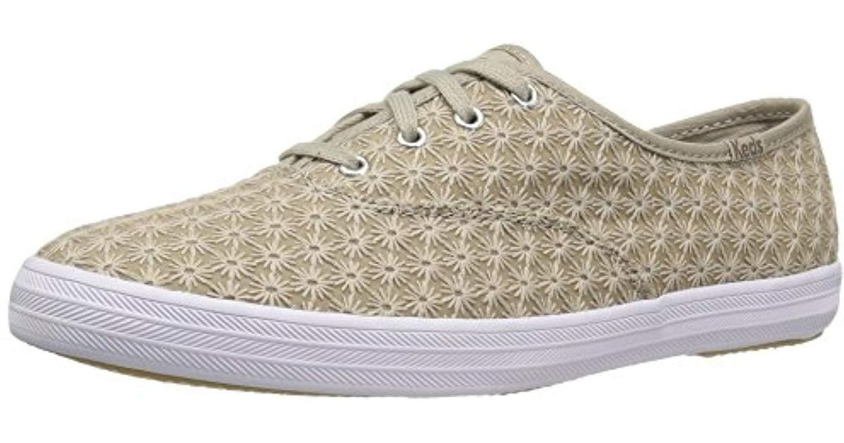 212bd2ffd08 Lyst - Keds Champion Mini Daisy in Natural