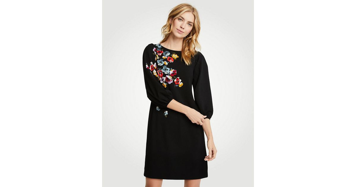 059ca216cce6 Ann Taylor Winter Floral Puff Sleeve Shift Dress in Black - Lyst