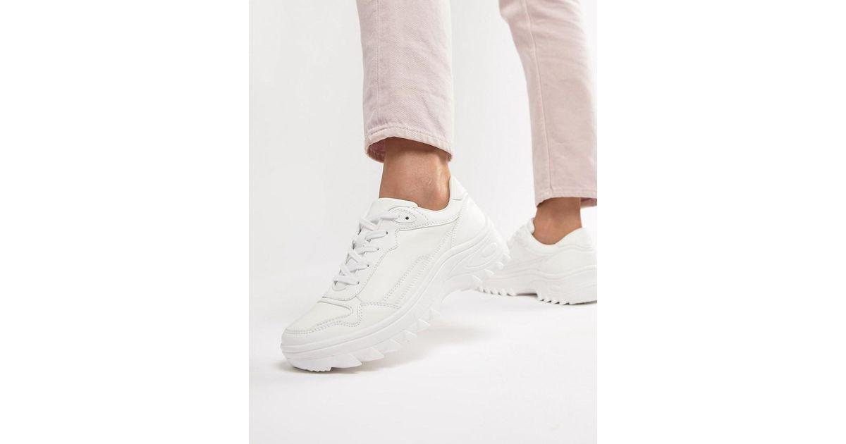 adf48f2563e Bershka Chunky Sneaker In White in White - Lyst