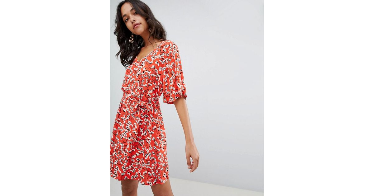 67ea40f1f02 Lyst - Vila Floral Tie Waist Skater Dress in Red