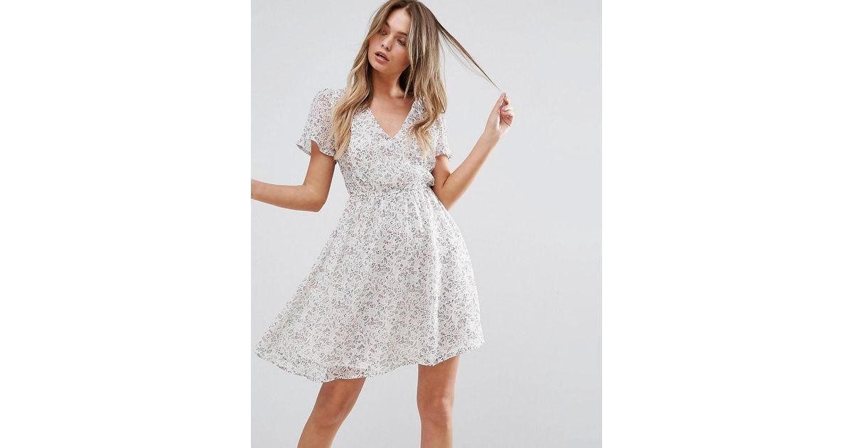 a27fa474c Lyst - New Look Flare Sleeve Skater Dress