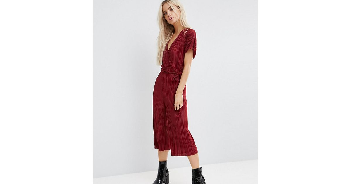 5fbaeae6061 Lyst - New Look Plisse Wrap Culotte Jumpsuit in Red
