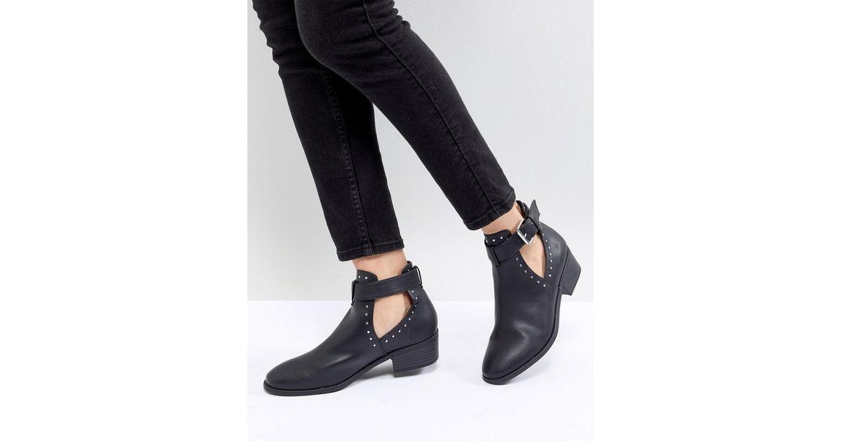 ASOS DESIGN Ace Studded Cut Out Ankle Boots E9EM1