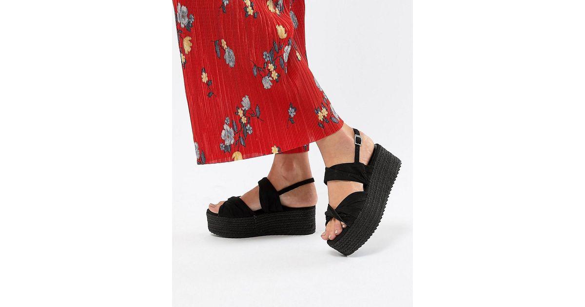 983fbb4ff0dea Lyst - Bershka Twist Detail Espadrille Sandals In Black in Black