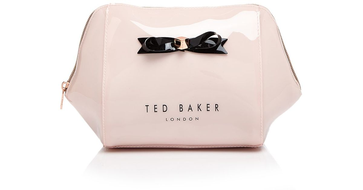 28ca6641ee60 Lyst - Ted Baker Rochel Extra Large Bow Trapeze Cosmetic Case in Pink