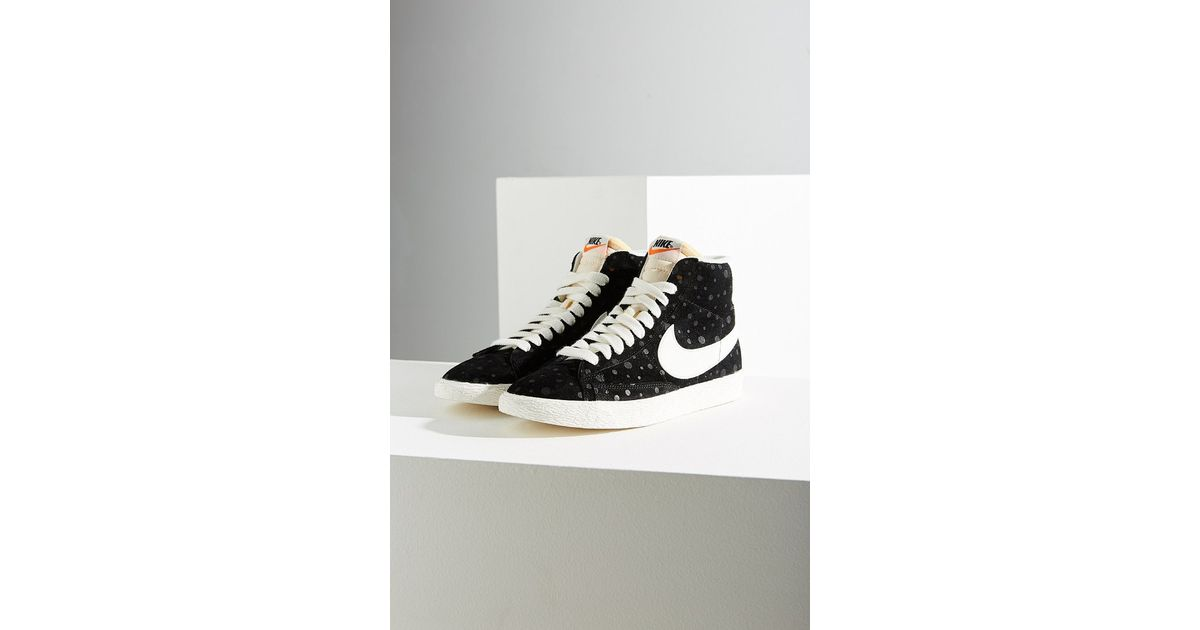 new photos 8b888 15c7b Nike Women s Blazer Mid Suede Vintage Sneaker in Black - Lyst