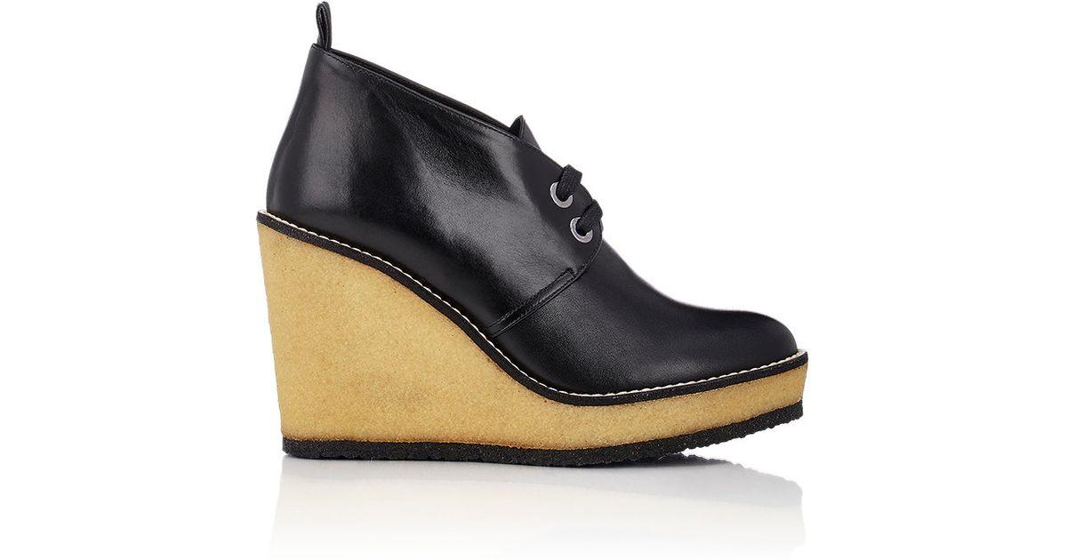 robert clergerie s aroa wedge chukka boots in black