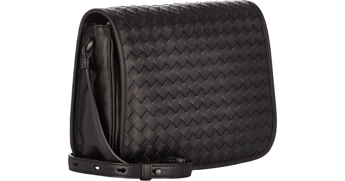 da3a01d3ced8 Bottega Veneta Intrecciato Small Saddle Bag in Black - Lyst
