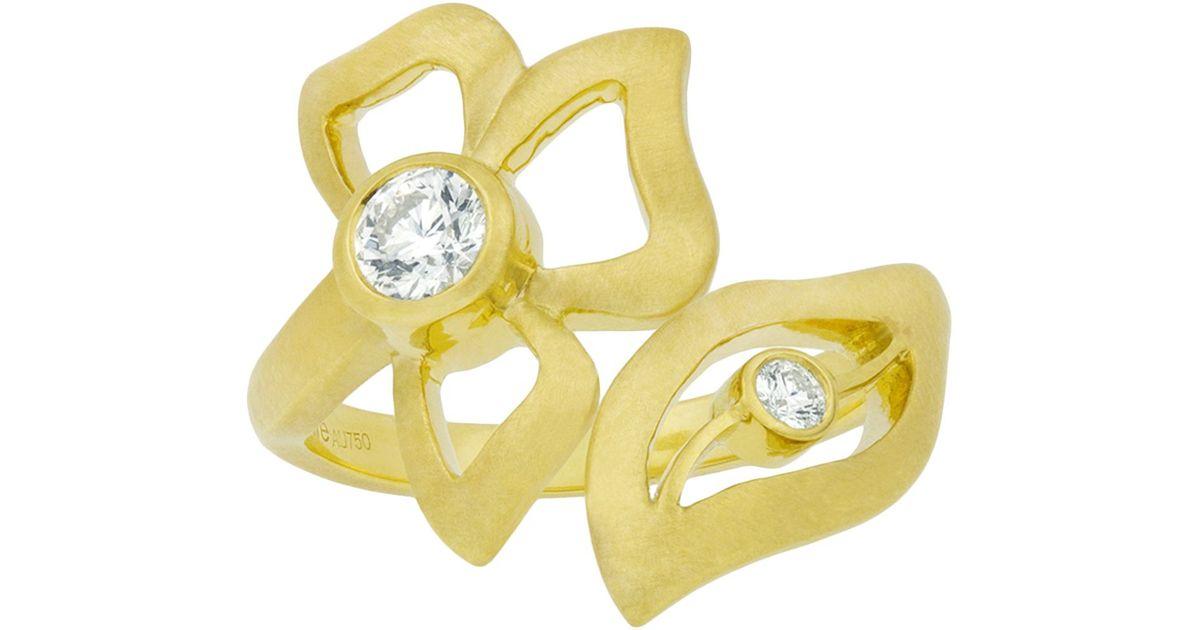 Carelle Diamond Wrap Around Florette Ring In Yellow Gold