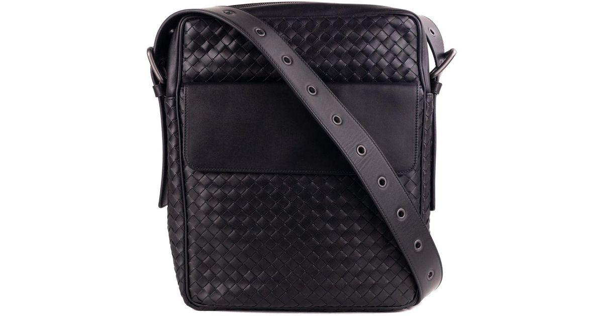 Bottega Veneta Black Calf Leather Intrecciato Messenger Bag in Black for  Men - Lyst d28cbda5a35e3