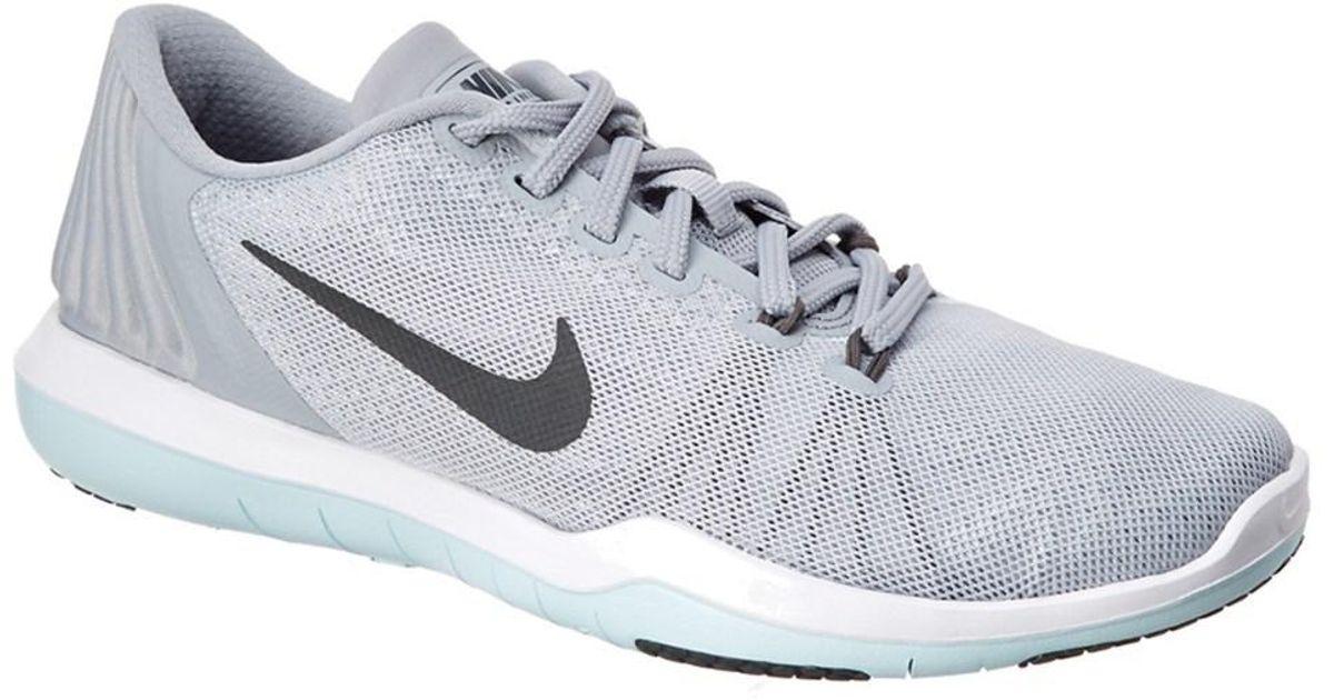 995d5ea1a3b4 Lyst - Nike Women s Flex Supreme Tr5 Sneaker in Gray