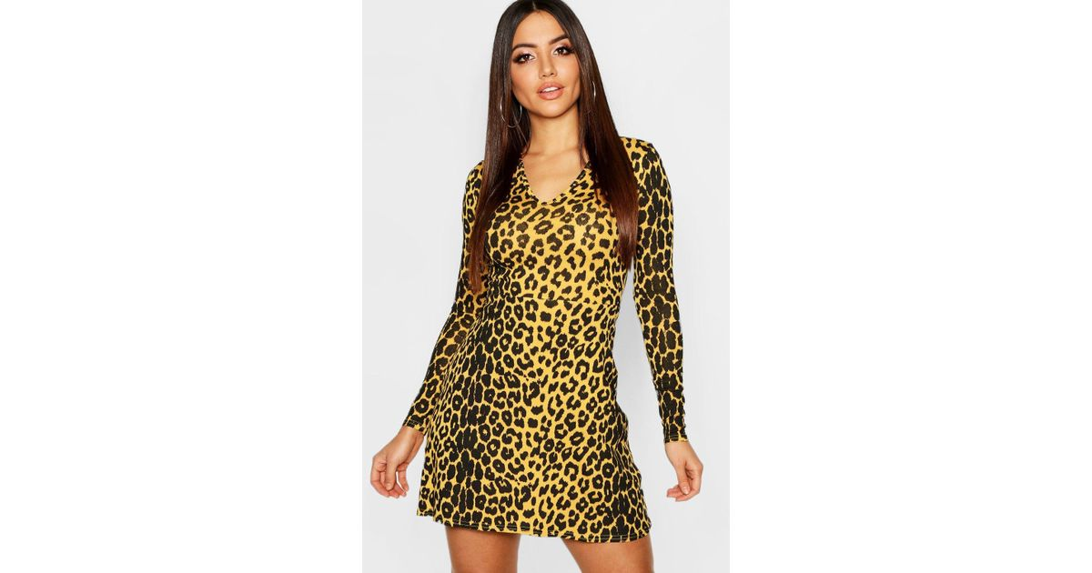 aa56e4156d Boohoo Animal Print V-neck Long Sleeve Skater Dress in Yellow - Lyst