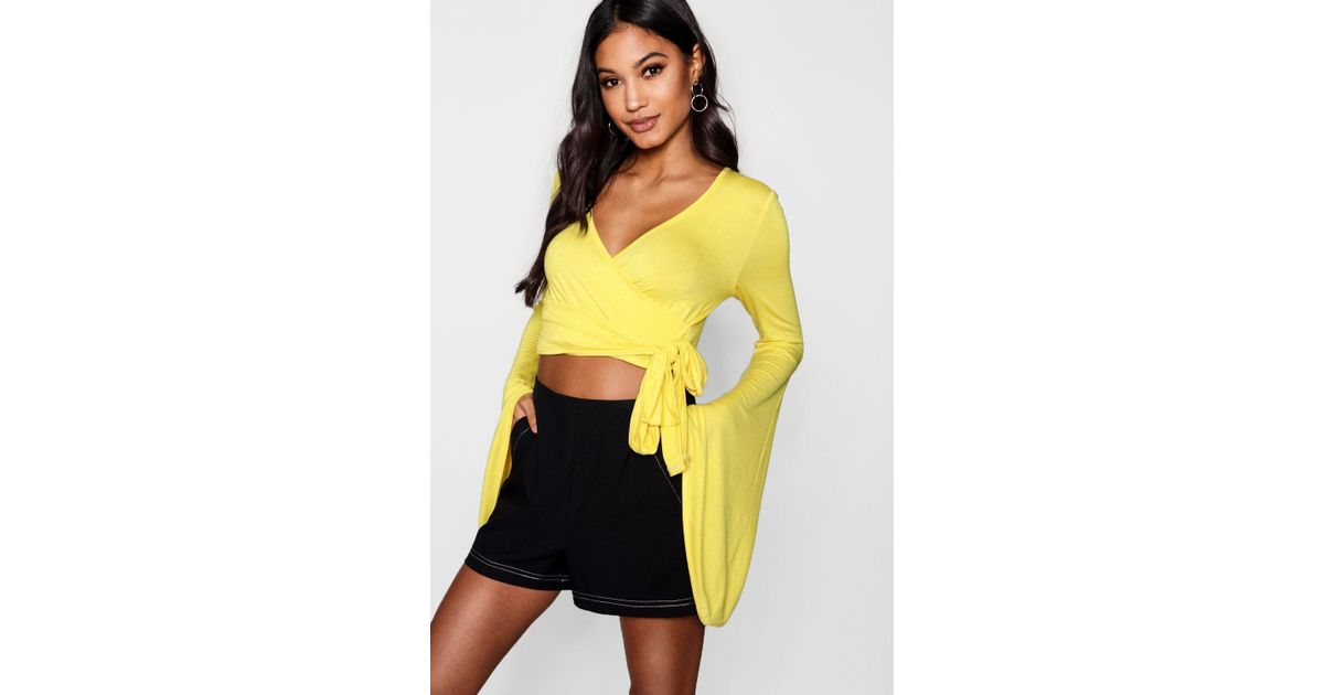 d02291dc798bf Boohoo Wrap Flare Sleeve Tie Crop in Yellow - Lyst