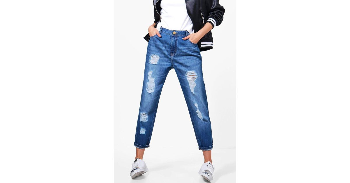 d1e354ce8d43 Boohoo Jenny Low Rise Distressed Mom Jeans in Blue - Lyst