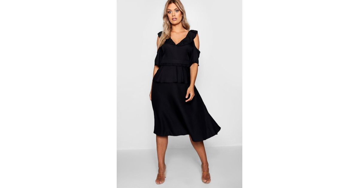 fa6ffa29fc3d Lyst - Boohoo Plus Double Frill Cold Shoulder Midi Dress in Black