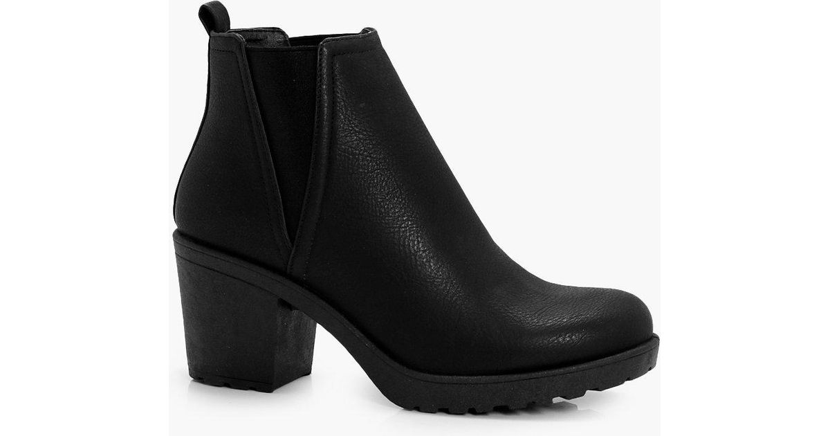 2c45ab27fd50 Boohoo Chunky Cleated V Detail Chelsea Boots in Black - Lyst