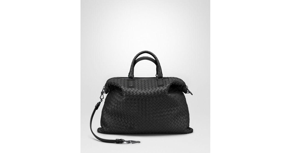 60974950d3fa Lyst - Bottega Veneta Nero Intrecciato Nappa Medium Convertible Bag in Black