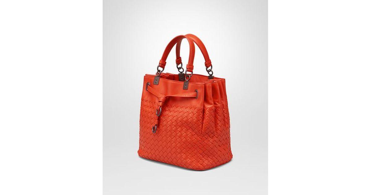 Lyst - Bottega Veneta Bucket Bag In Vesuvio Intrecciato Nappa in Orange 0ab47488e3