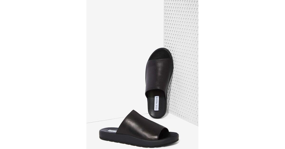 d42cee25f19 Lyst - Steve Madden Flavor Leather Slide Sandals in Black