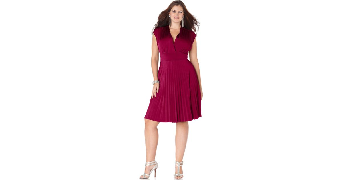Lyst Soprano Plus Size Cap Sleeve Pleated Empire Dress In Red