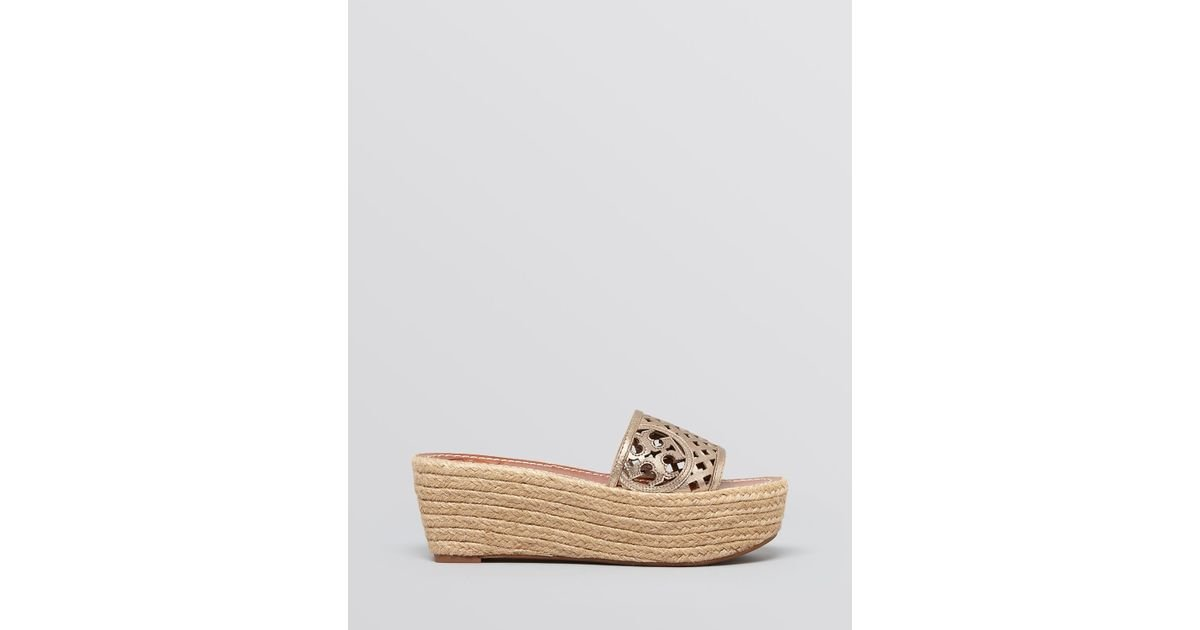 7a4ed9fe26c Tory Burch Platform Wedge Espadrille Sandals - Thatched Perforated in  Metallic - Lyst