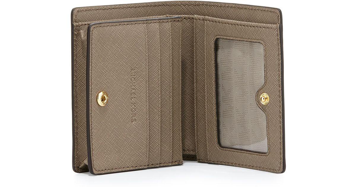 9255259812e3 MICHAEL Michael Kors Jet Set Travel Saffiano Card Holder in Brown - Lyst