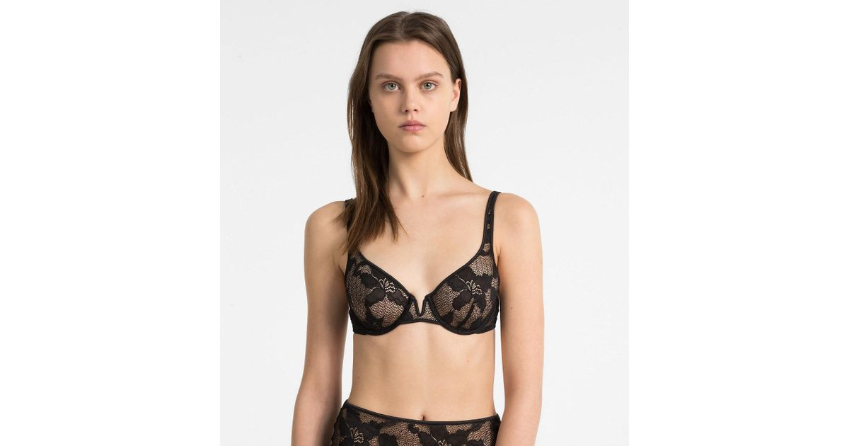0ca30cceedc29 Calvin Klein Balconette Bra - Ck Black Lily Lace in Black - Lyst