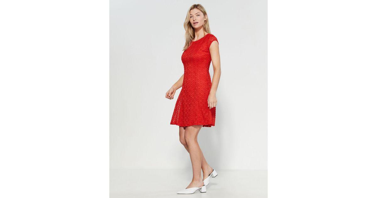 3376cd3a072b Sharagano Eyelet Sheath Dress in Red - Lyst