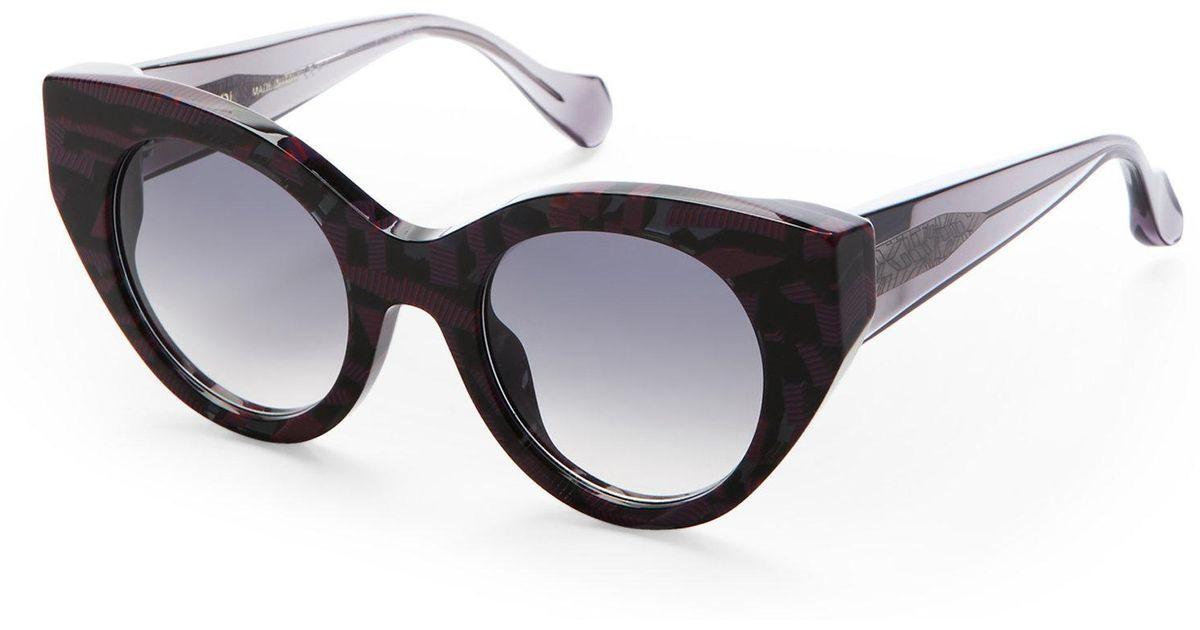 224e6229904 Lyst - Fendi Fanny Cat Eye Sunglasses