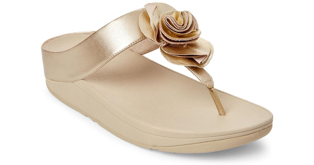 38d6cc020 Lyst - Fitflop Pale Gold Florrie Toe-post Thong Sandals in Metallic