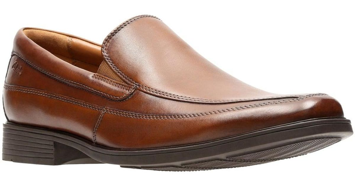 7549b7cddc8 Clarks Tilden Free Mens Wide Leather Loafers in Brown for Men - Lyst