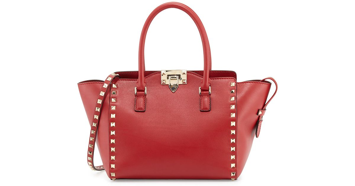 7b2ee8a31c Valentino Small Rockstud Double-Handle Tote Bag in Red - Lyst
