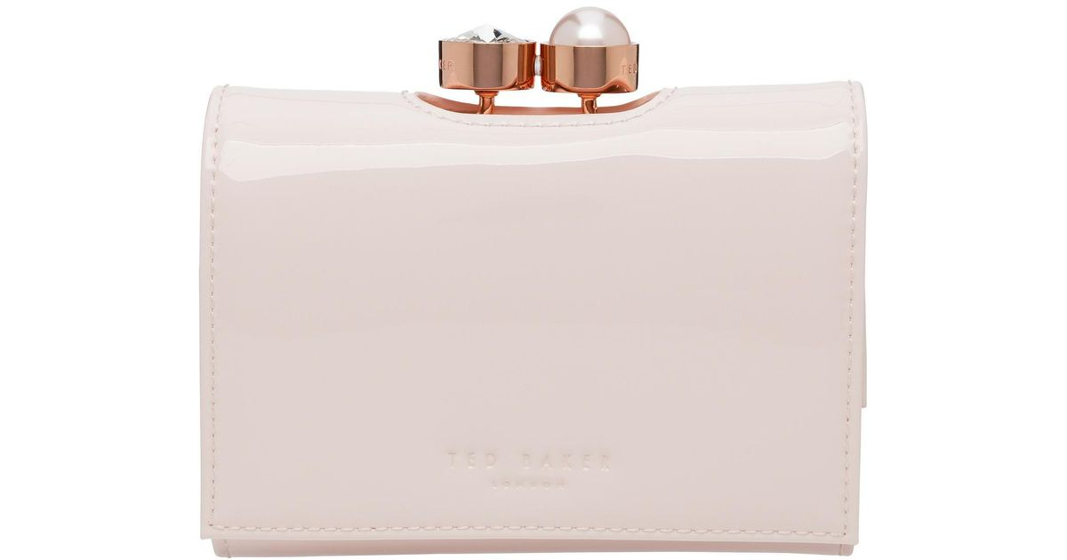 c22d02ced3eb4d Ted Baker Alix Pearl Bobble Patent Sml Purse in Pink - Lyst