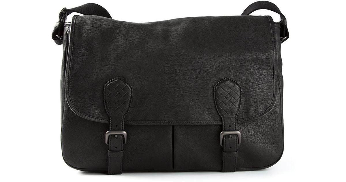 1b0a08e47c Bottega Veneta Gardena Messenger Bag in Black for Men - Lyst