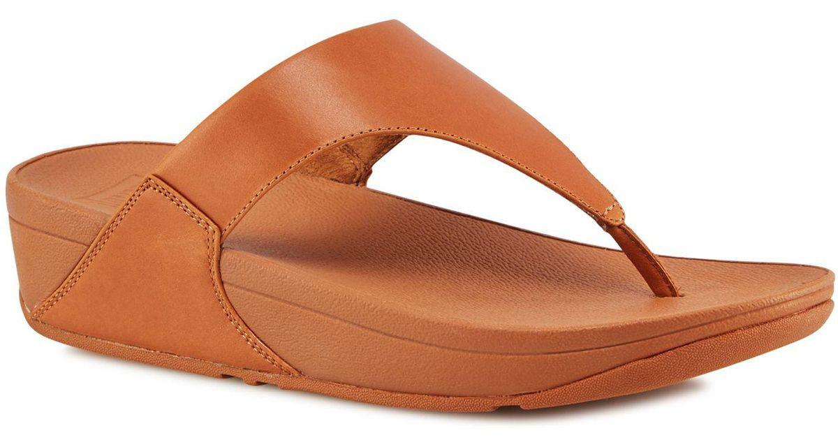 f6029da6a5e Fitflop Tan Leather  lulu  Mid Flatform Heel Flip Flops in Brown - Lyst