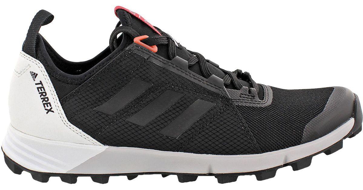 lyst adidas outdoor terrex agravic velocità scarpe da trekking in nero