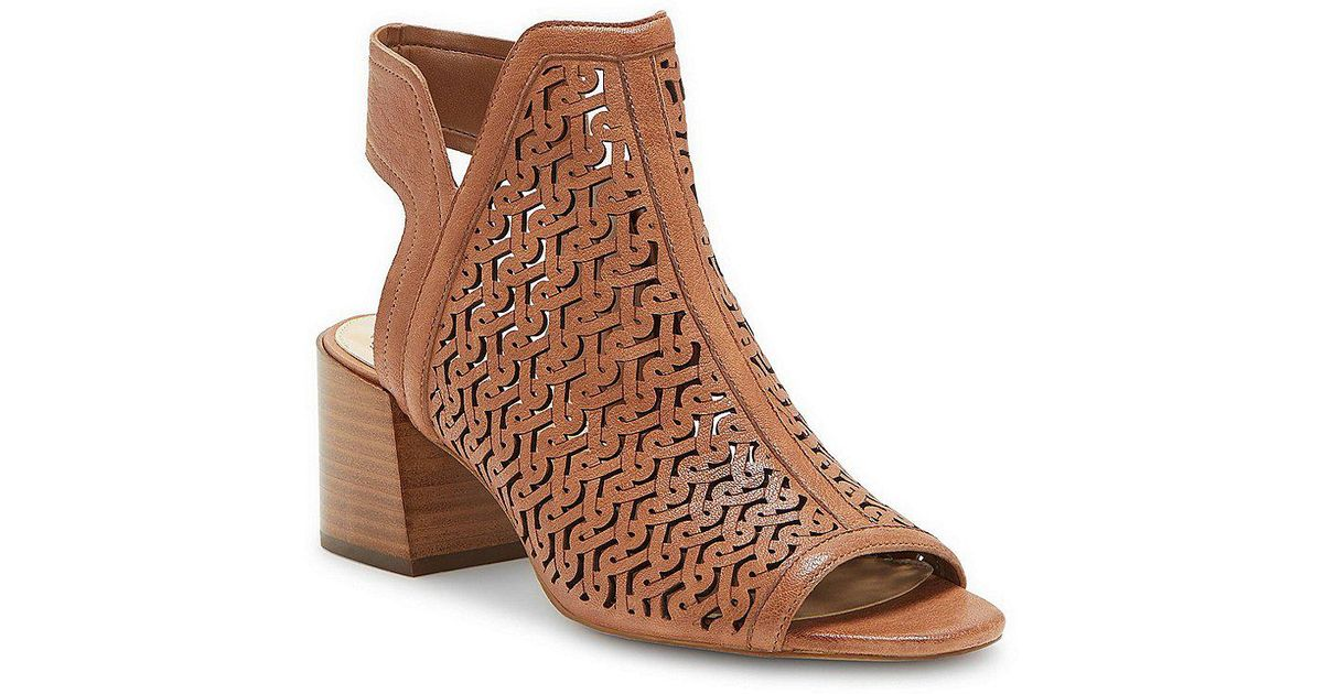 Sternat Leather Laser Cut Block Heel Sandals KjzMuRrcd