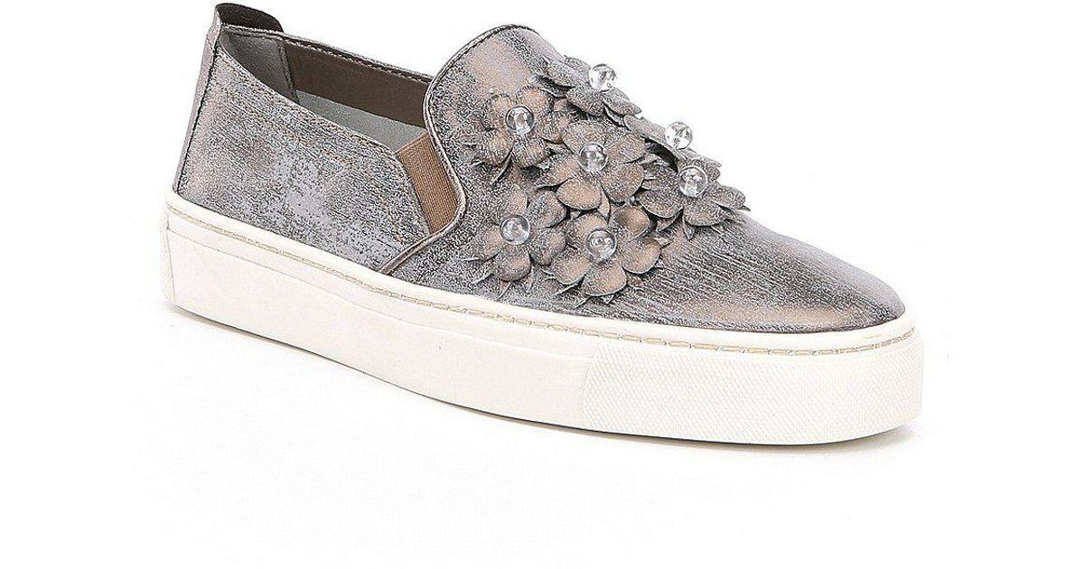 The Flexx Sneak Blossom Floral Detail Embellishment Sneakers HFJ7M1