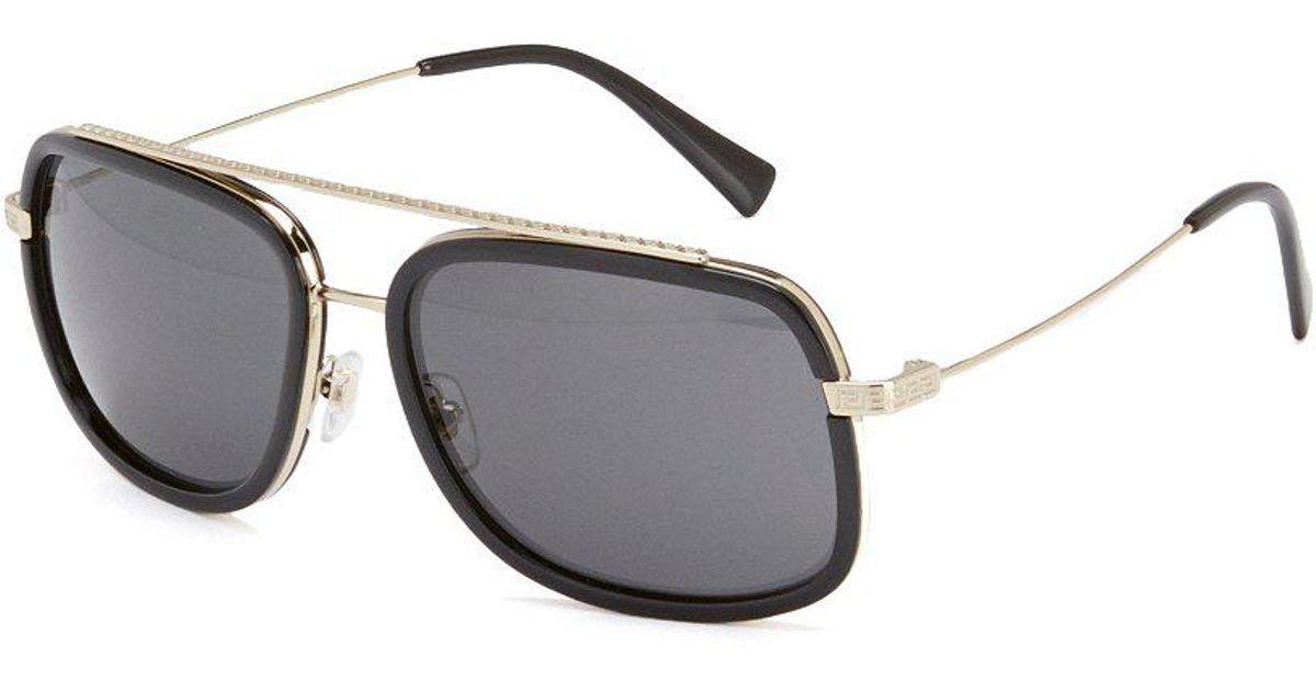 55a63cd90e98 Versace Oversized Square Sunglasses in Black - Lyst