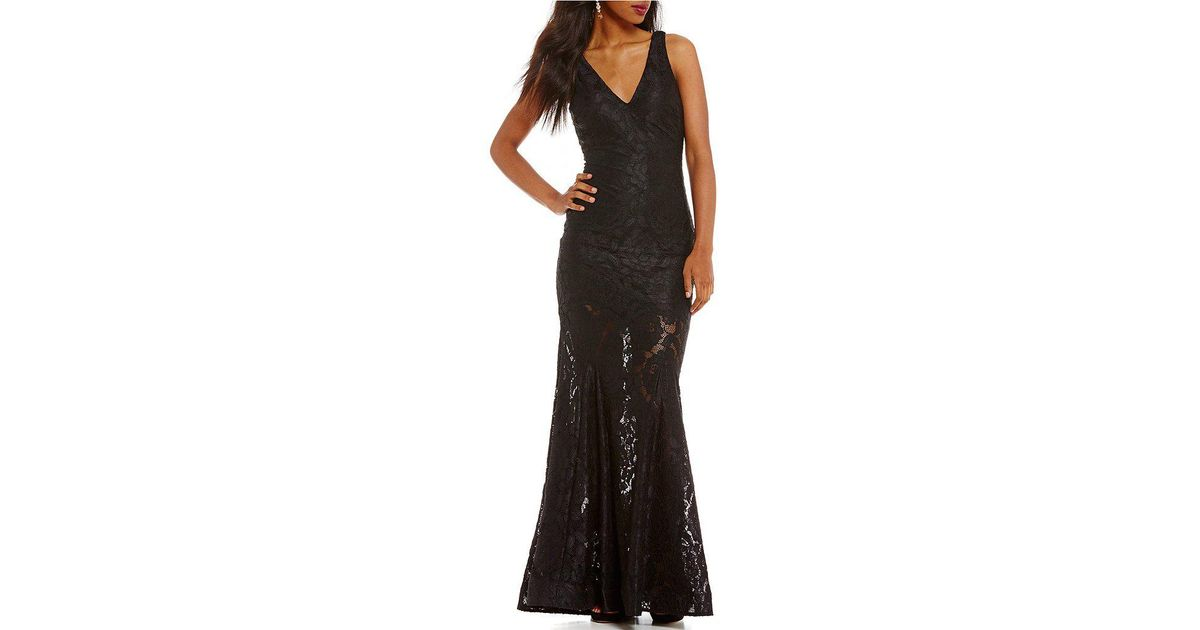 e4c82b7a5cd Betsy   Adam V-back Floral Lace Applique Gown in Black - Lyst