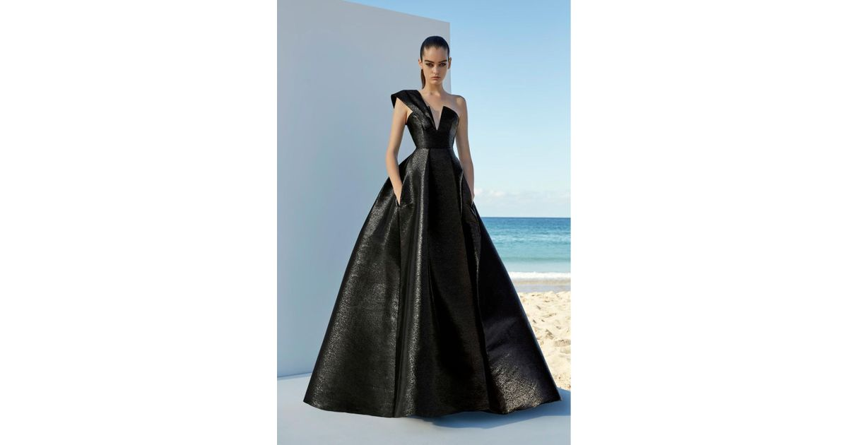 3fec7bceb7f Alex Perry Black One Shoulder Blaine Ball Gown in Black - Lyst