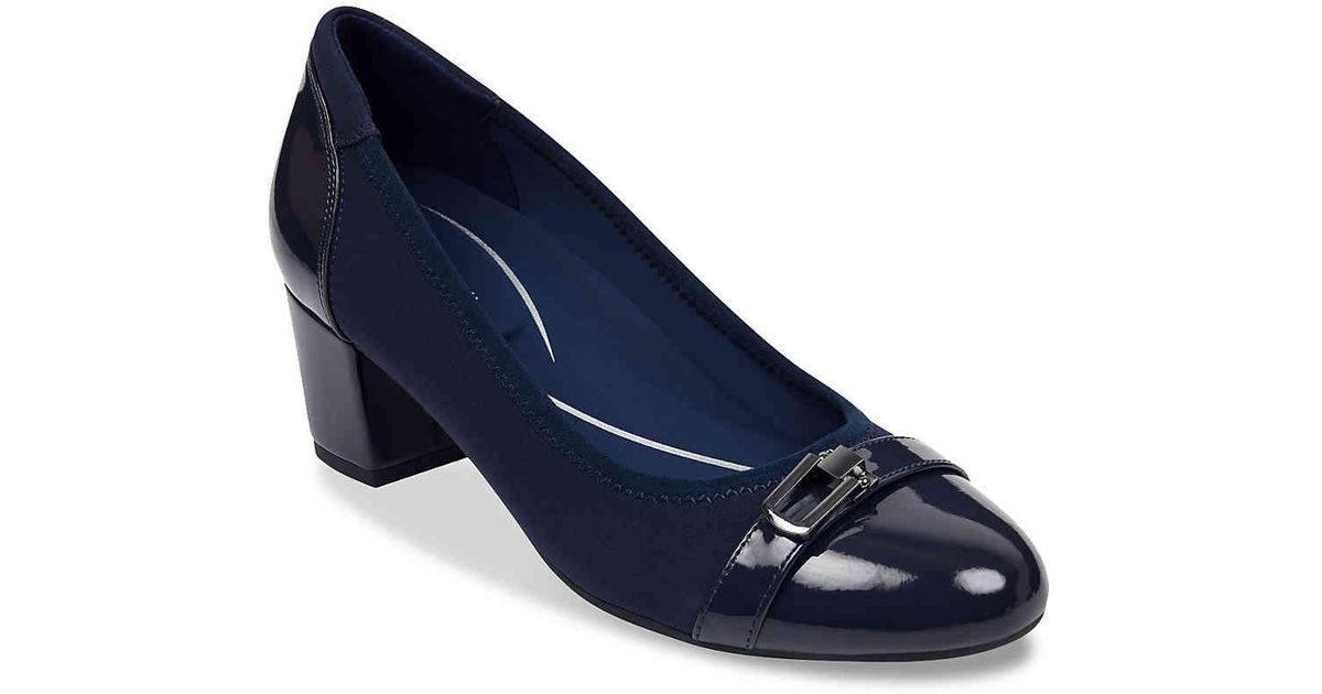 dd9b9cdd57b6 Lyst - Easy Spirit Glenda Pump in Blue