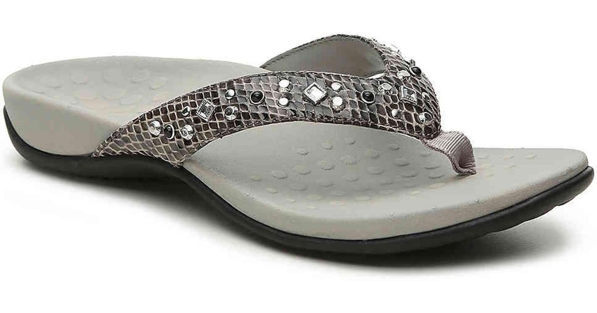 fae1e43b5354 Lyst - Vionic Dawn Sandal in Metallic