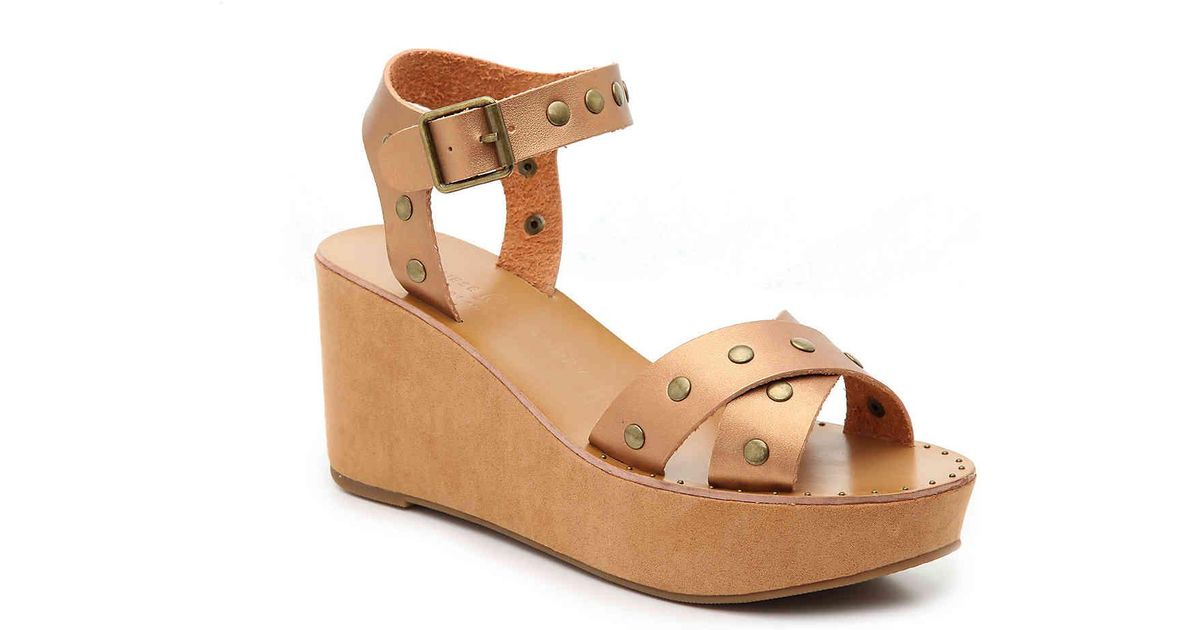 0d05b7790760 Lyst - Chinese Laundry Ozzie Wedge Sandal in Metallic