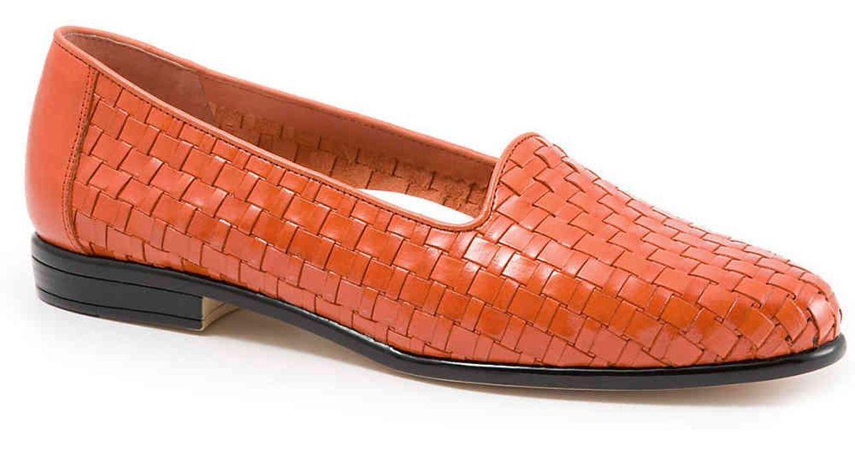 b8c0f4ff4f Lyst - Trotters Liz Loafer in Orange